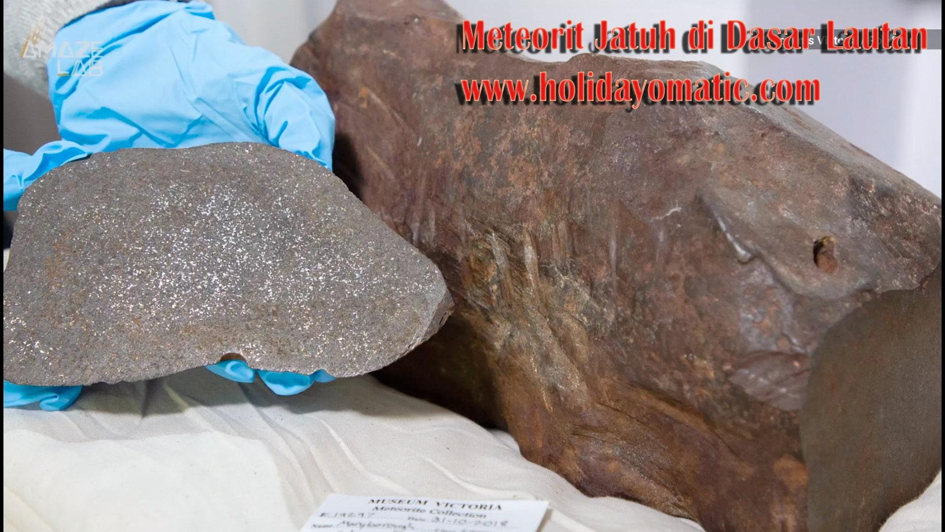 Meteorit Jatuh di Dasar Lautan